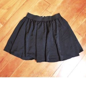 Dresses & Skirts - 🎀3/$30 THX Black Layered Shiny Mini Zip Up Skirt